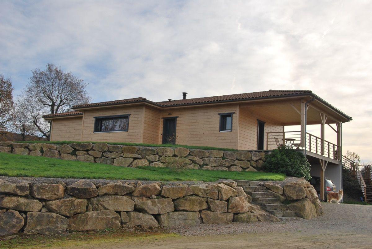 Habitation en bois brut