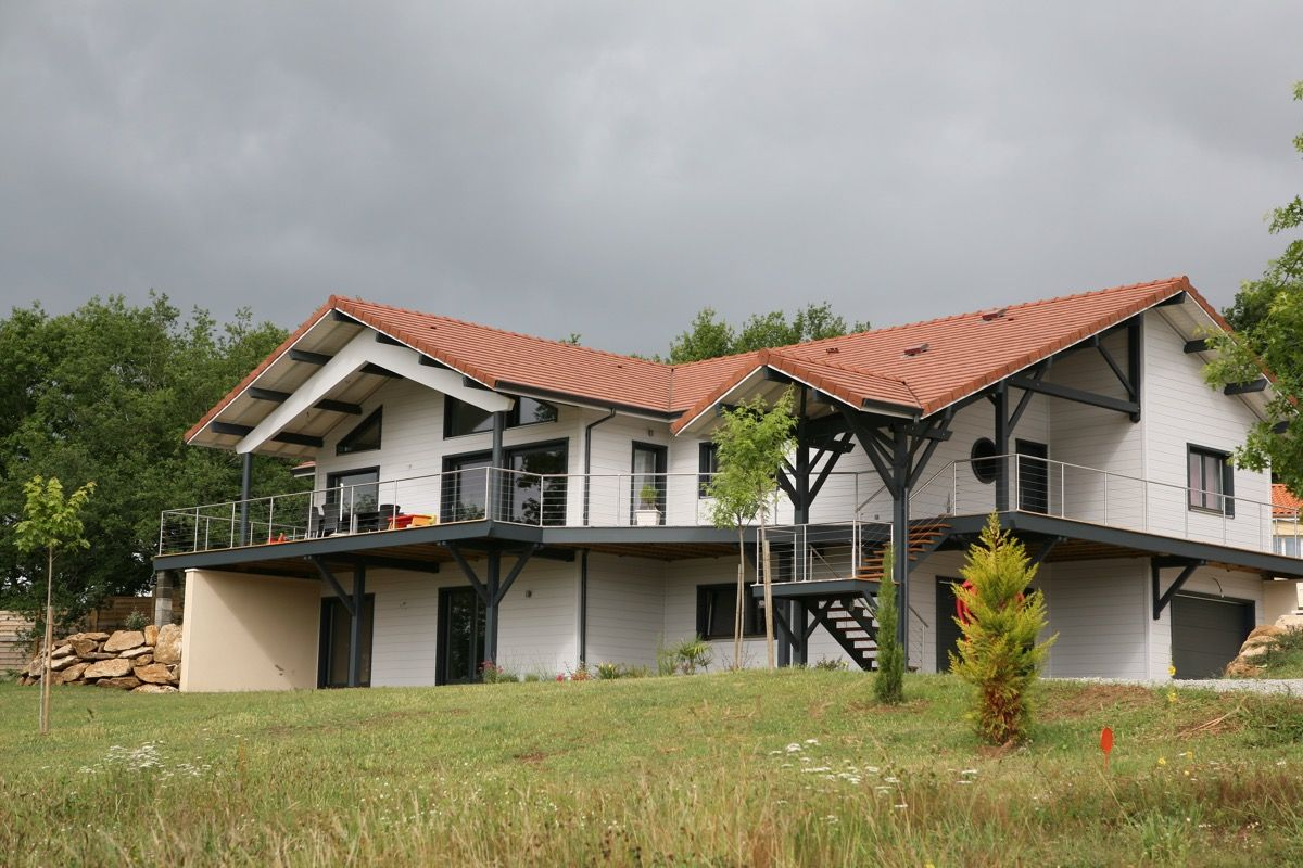 Habitation en bois lumineuse