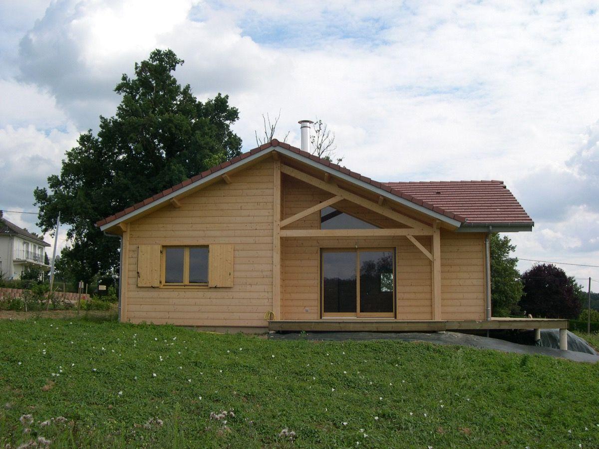 Grande bâtisse en bois